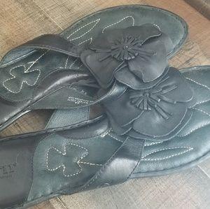 Born Flower Slide Sandals